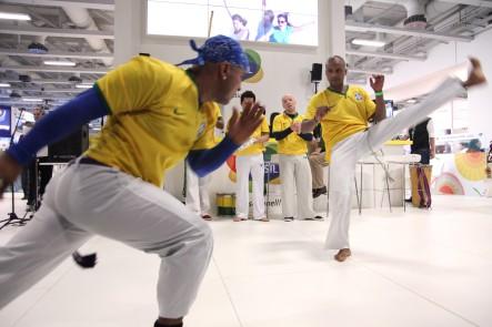 Demostración del arte marcial Capoeira